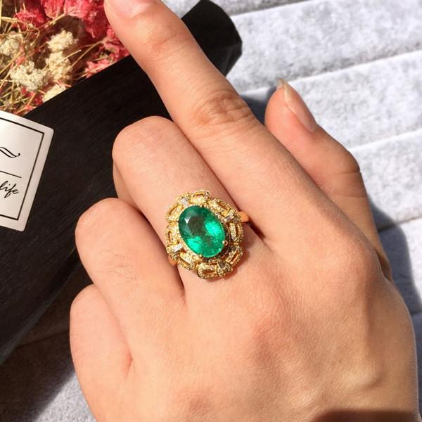 18k金镶天然祖母绿戒指