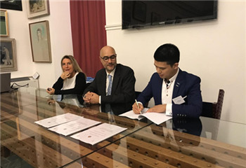深圳市珠宝首饰设计师协会与意大利瓦伦扎市政府及意大利扎切利尼国立学院共同签署合作备忘录