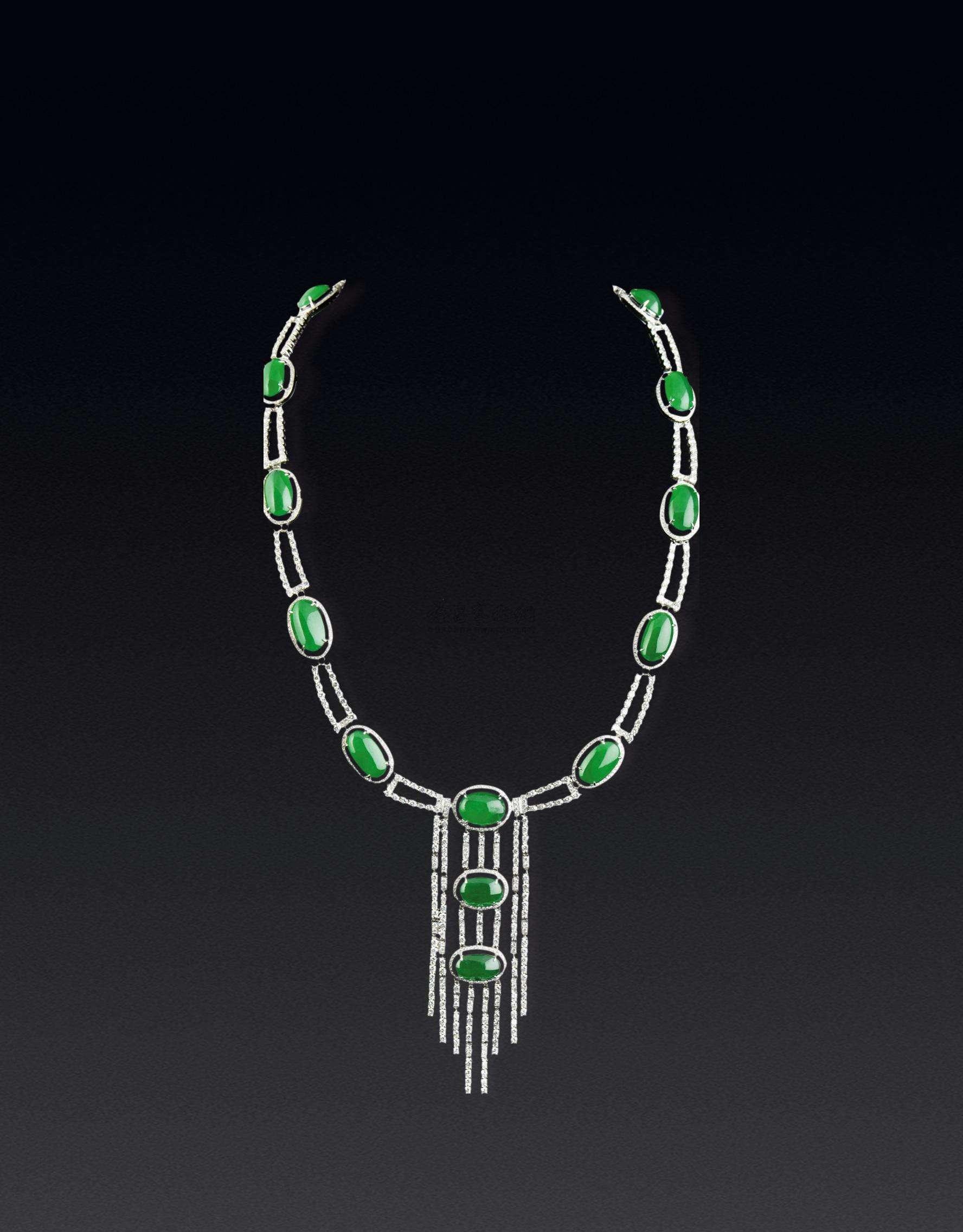 绿翡翠大珠子项链的价格贵不贵