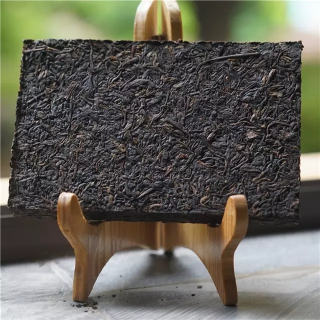 2010年无量山乔木竹壳熟茶砖